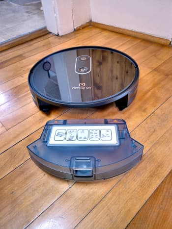 Amarey A980 Robotic Vacuum Cleaner with dustbin removed