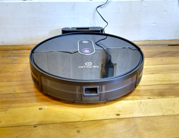Amarey A980 Robotic Vacuum Cleaner at dock