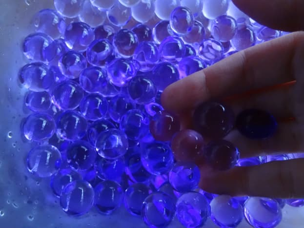 Kids will love to touch and feel the gel beads.