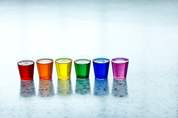 Shot glass: holds an average of 1.5 oz.