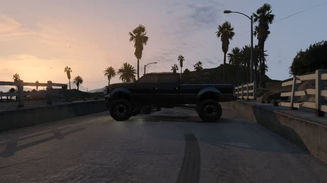 Park your Sandking XL like this on the bridge. Bring an XL instead of the SWB because of the extra length.