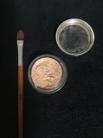 how-to-apply-makeup-for-a-natural-look