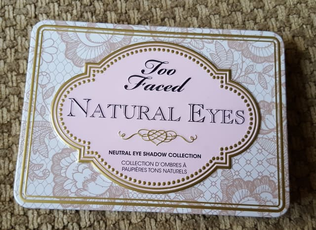 The Too Faced Natural Eyes palette features sturdy tin packaging with a firm metallic closure. Like many of the palettes on this list, it is palm-sized, making it perfect for travel.
