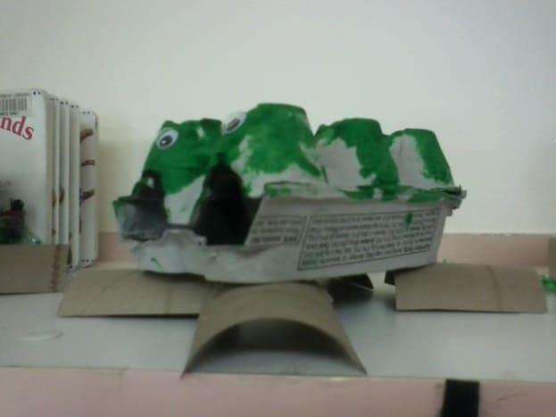 Egg carton alligators