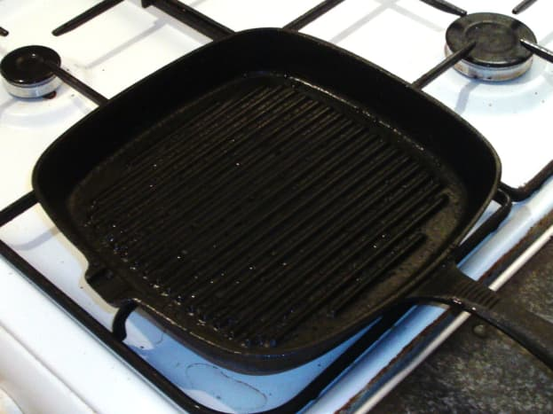 Bringing griddle pan up to a high heat