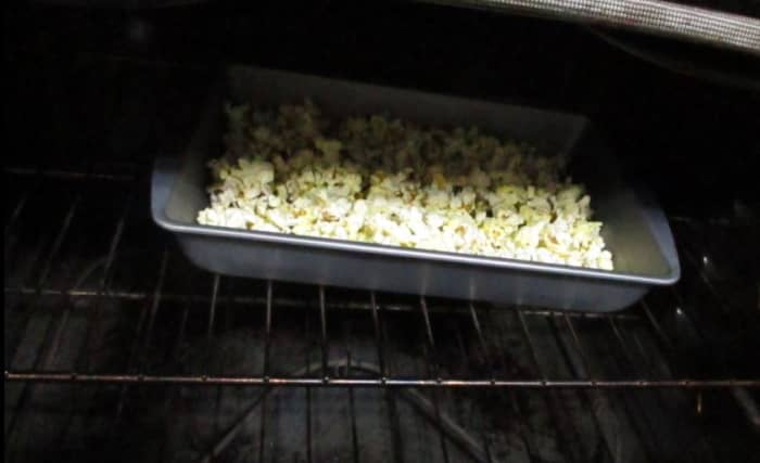 popcorn in oven staying warm