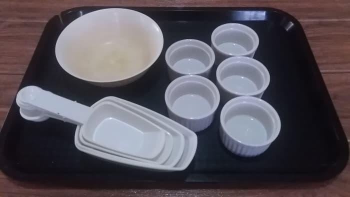 Utensils for preparing the ingredients