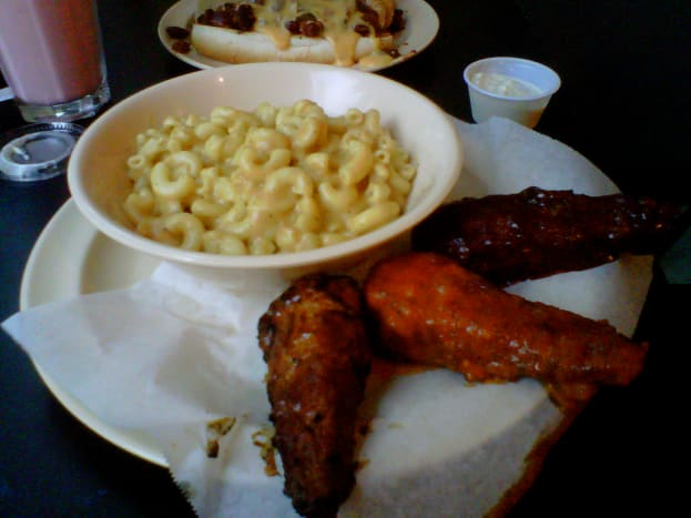 """The """"buffalo wings"""" are amazing at Foodswings!"""