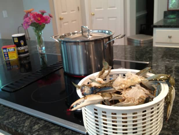 Fill a 6 quart pot with water and bring to a boil.