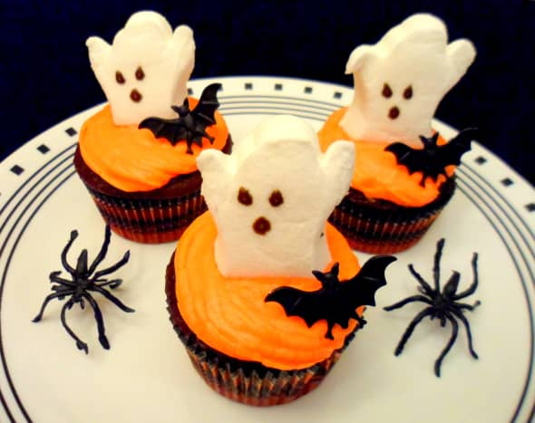 Our finished ghost cupcakes.