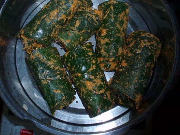 Colocasia rolls cooking inside the cooker