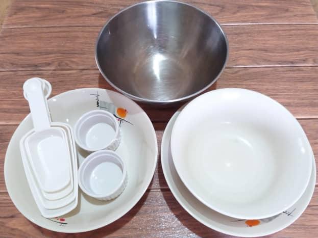 utensils for preparing cream dory