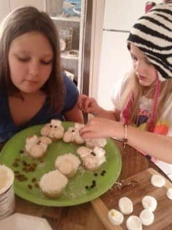 winter-treats-for-kids-to-make-and-eat