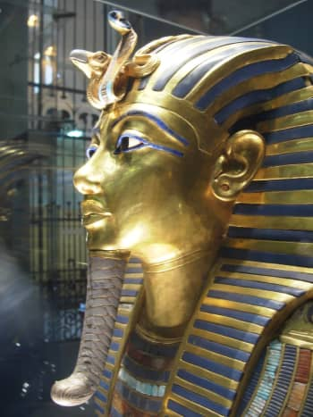 Mask of Tutankhamun's mummy featuring a uraeus, from the eighteenth dynasty. The cobra image of Wadjet with the vulture image of Nekhbet representing of the unification of Lower and Upper Egypt