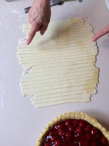 Begin with the longest strips of dough.