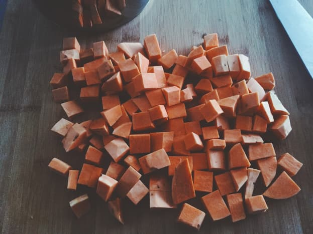 Cut the sweet potatoes into cubes.