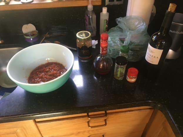 garnished-red-wine-and-tomato-roast-chicken-recipe