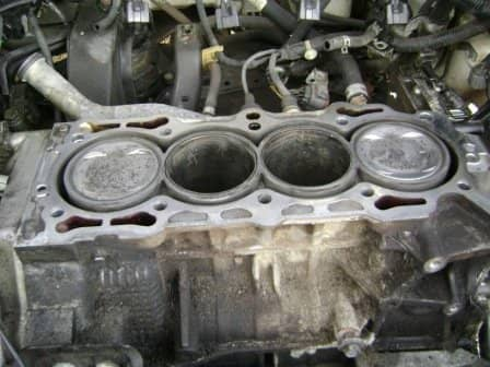 After the removal of the cylinder head and some cleanup.