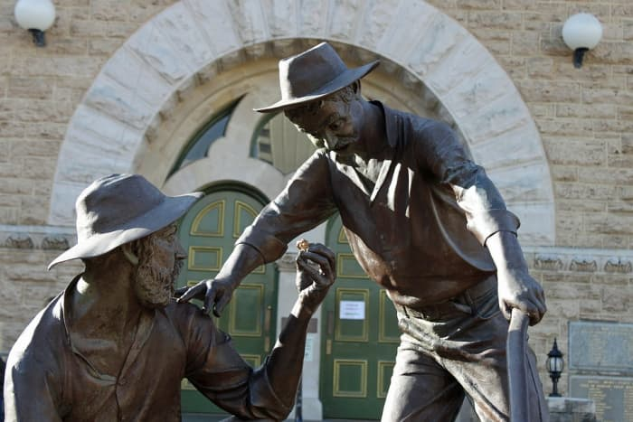 Tribute to Perth gold miners.