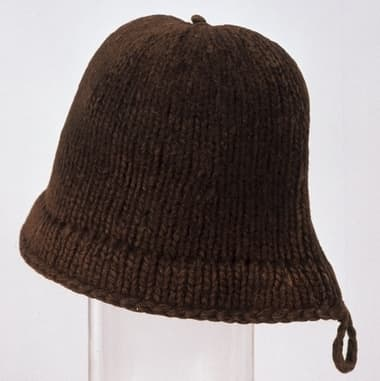 The Monmouth Cap. Many males at Plimoth wore these woolen Welsh hats, according to the Provisions List of 1630 in the Plimoth Plantation related museum (The Pilgrim Hall).