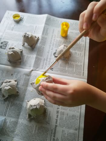 cardboard-egg-carton-bunnies-and-chicks-easter-craft-for-kids