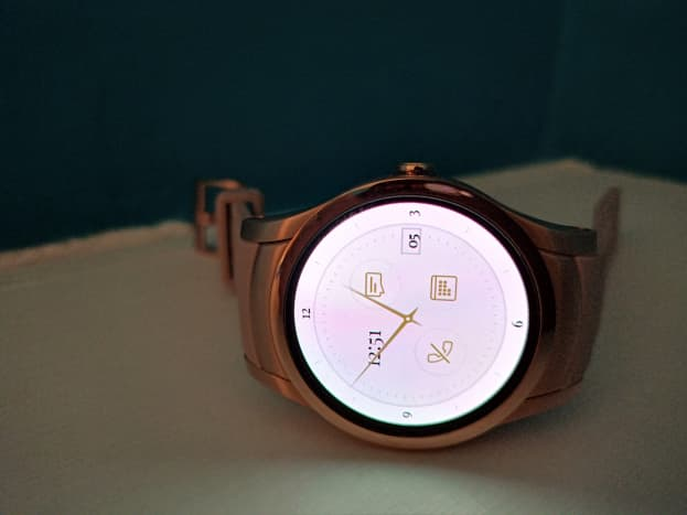 Original watch face of Wear24 smartwatch.