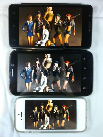 "5.0"" MVA, Titan (top), 5.2"" TN, Cruize (middle), 4.0"" IPS, iPhone 5 (bottom)"