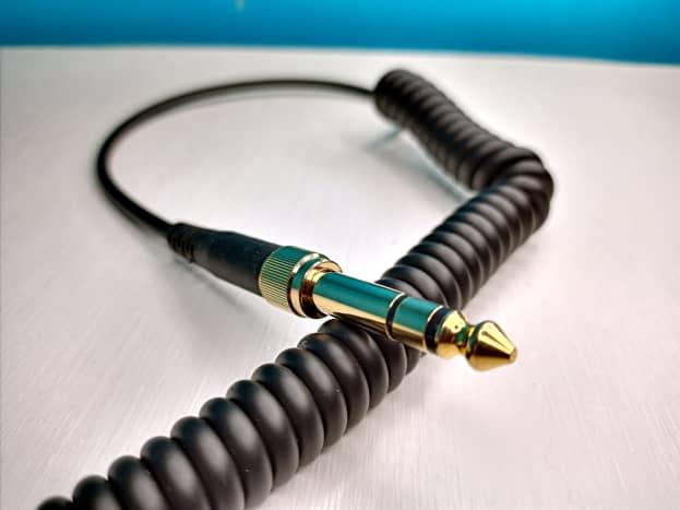 Vogek Over-Ear DJ Headphones with quarter-inch adapter installed