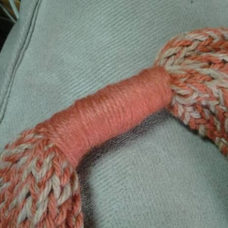 Start with the yarn wrapping cinch to hold things in place.