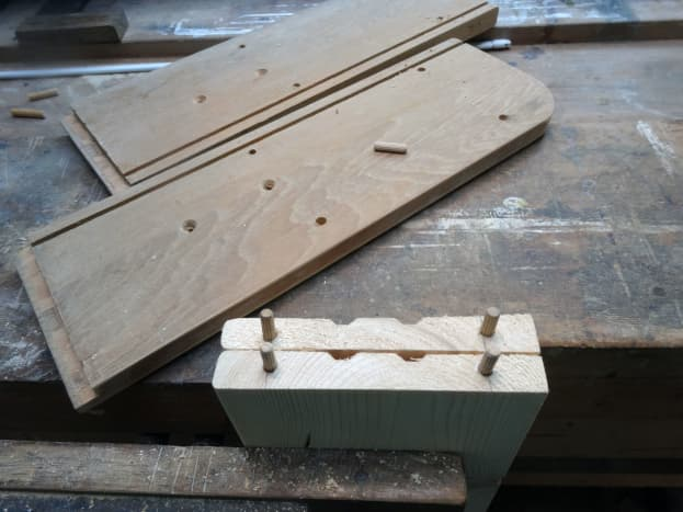Using simple dowel and glue joints to make simple but strong shelf supports.