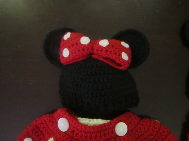 Crochet Minnie Mouse Hat with Crochet Bow