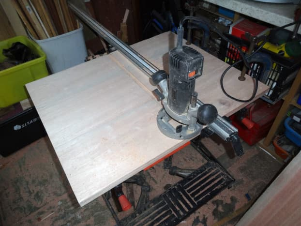 Routing the groove to fit the main shelf