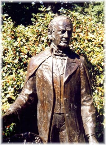 Sculpture of Henry Shaw at the Missouri Botanical Gardens