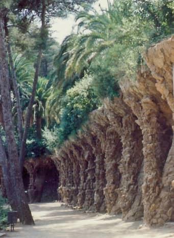 Support columns in Güell Park
