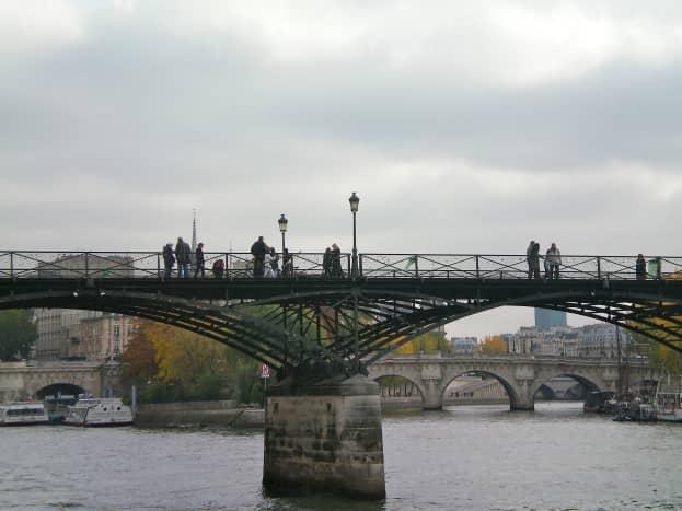 The pedestrian-only lovelock bridge (c) A. Harrison
