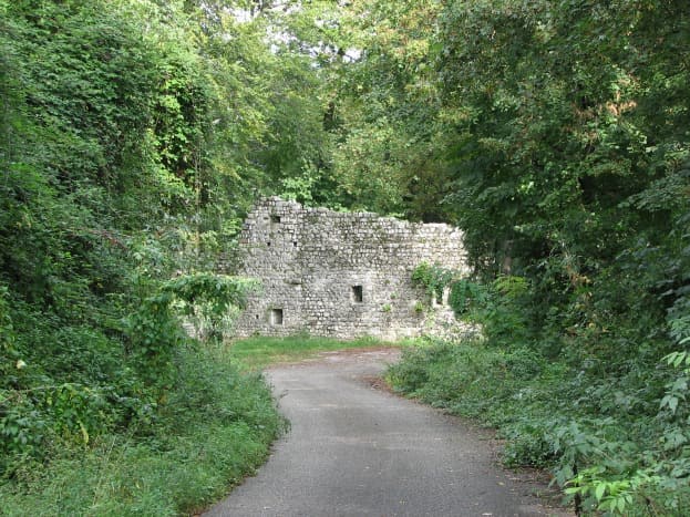 Approaching the castle ruins
