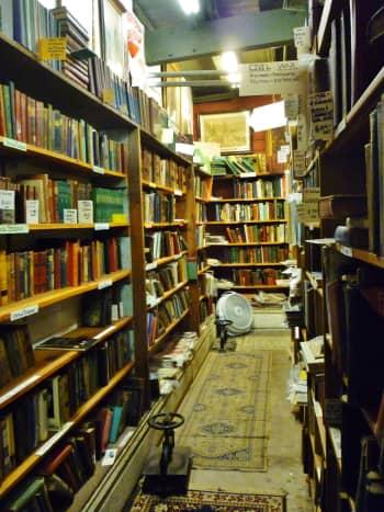 Many books!
