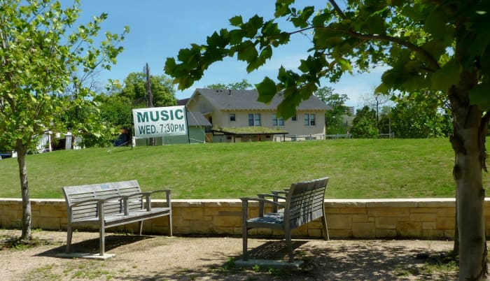 Hill in the park on which music occurs on Wednesdays