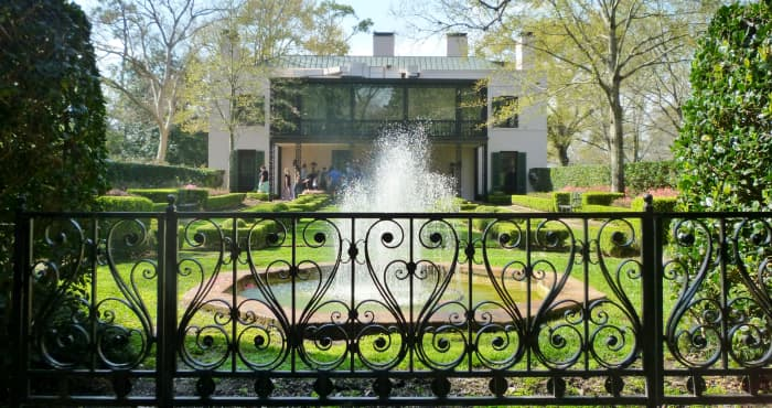 Bayou Bend Gardens & side view of the mansion