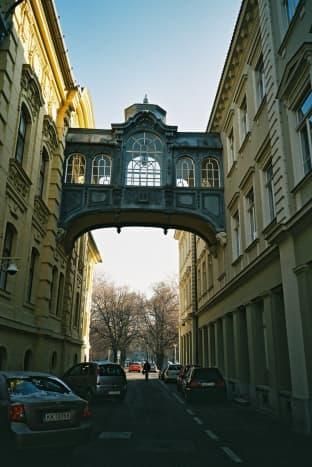 Mini Bridge of Sighs in Széchenyi Square