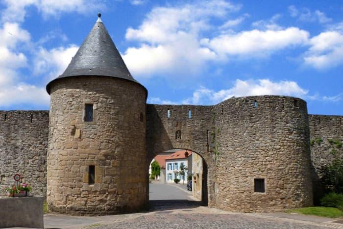 Fortified medieval gate of Sierck, Rodemack, France