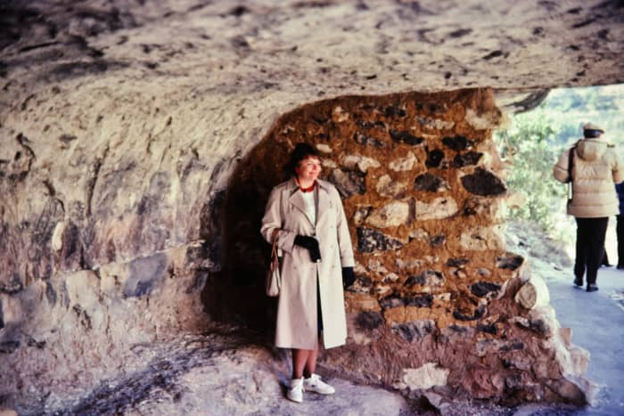 Yours truly at the Walnut Canyon cliff dwellings