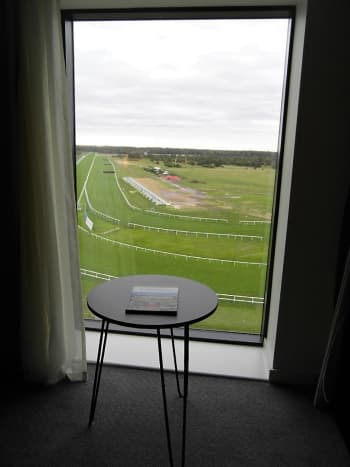 7th floor racecourse view.