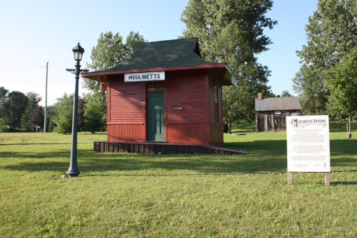 Located just outside of the Long Sault Parkway, The Lost Villages Museum is a great afternoon trip. Learn about the history of the villages and the Long Sault Parkway.