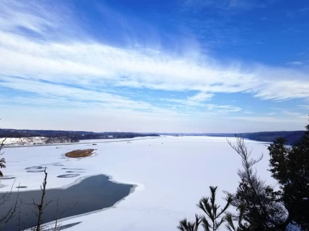 Looking eastward down  the Illinois River from Eagle Cliff Overlook @ Starved Rock State Park