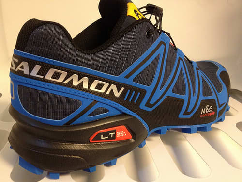 The jazzy and sporty looks of the Salomon Speedcross 3 trail running shoe