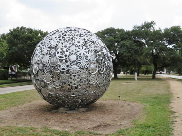 """What Goes Around, Comes Around…"" by John Runnels & Tristan in the True North 2019 sculpture exhibit"