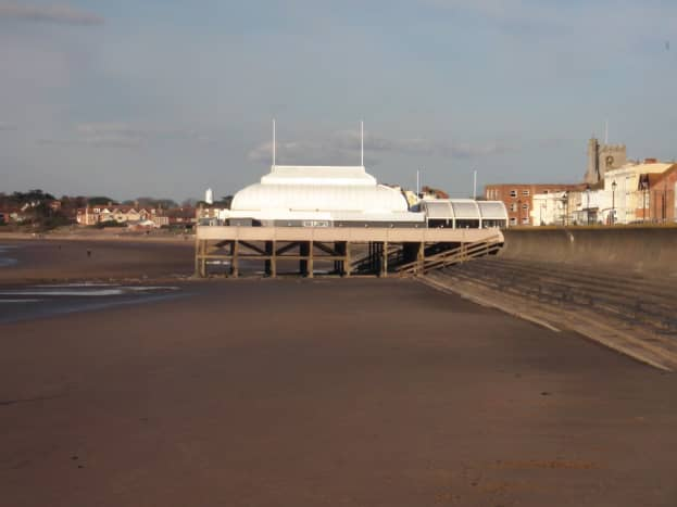 Shortest Pier aka the Pavilion (can you see the Highlight in the background just behind the end of the Pavilion?)