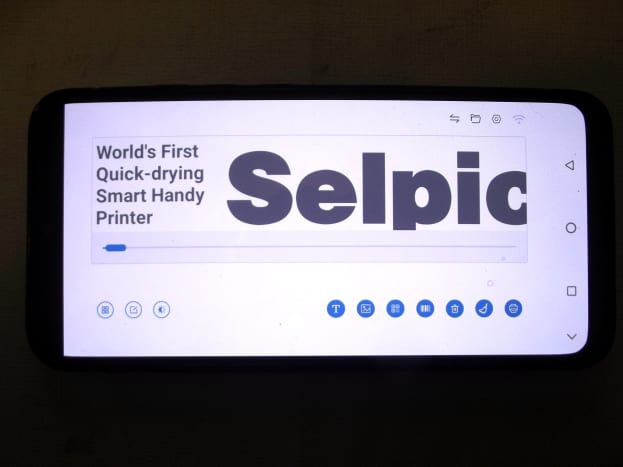 Selpic application showing design screen