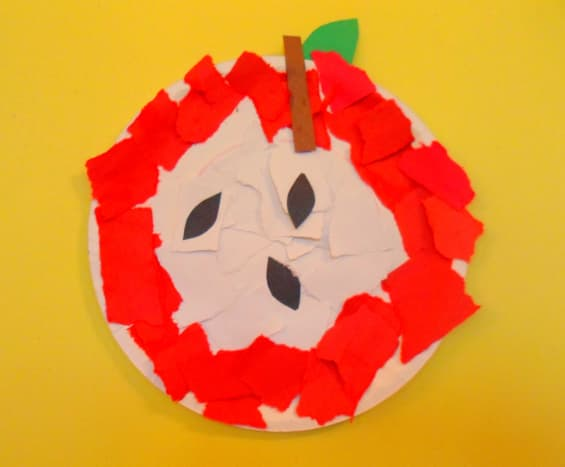 Our finished construction paper apple.